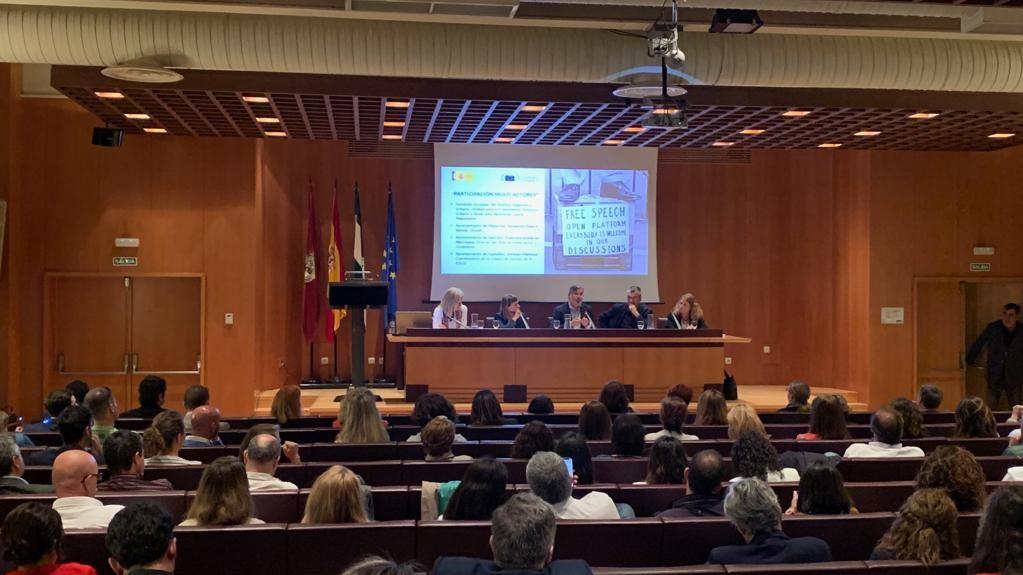 """El Ayuntamiento de Plasencia comparte sus """"buenas prácticas"""" en la gestión de los fondos europeos FEDER-DUSI"""